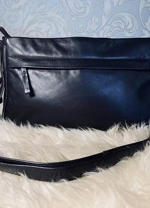 Кожаная сумка через плечо.