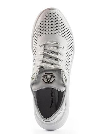 Новые женские кожаные  белые  кроссовки