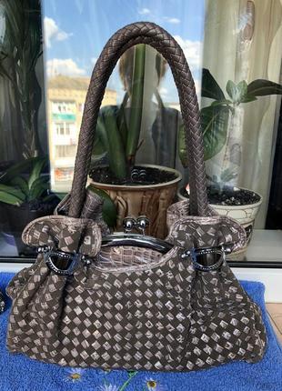 Красивая дамская сумка