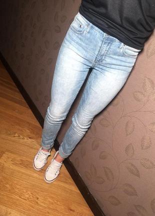 Отличные джинсы  h&m!!