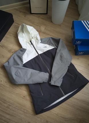 Оригинальная крутая куртка the north face