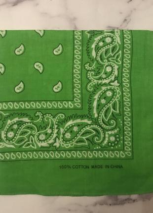 Бандана зеленая платок на голову косынка