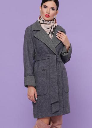 Классическое темно серое пальто