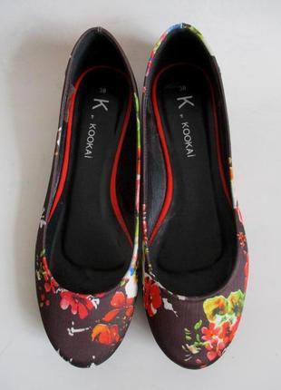 Sale -50%! балетки в цветочный принт французского бренда kookai