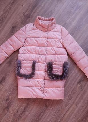Розовый зимний пуховик