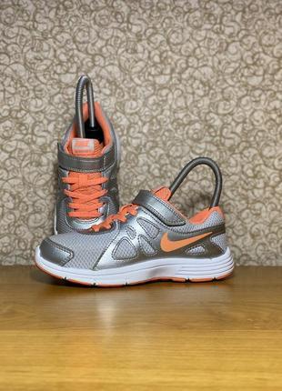Детские спортивные кроссовки nike revolution 2 оригинал размер 30