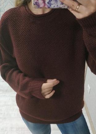 Стильный тёплый бордовый свитер оверсайз