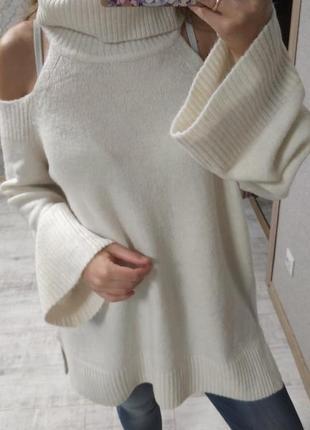 Красивый тёплый свитер туника оверсайз цвета айвори