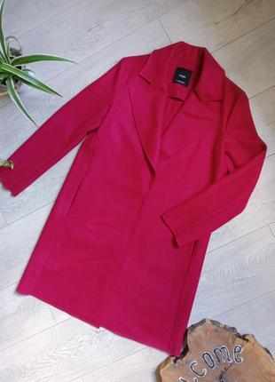 Стильное яркое легкое пальто фукция