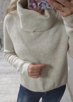 Стильный теплый приятный свитер оверсайз под горло
