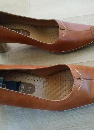 Туфлі шкіряні caprice 42