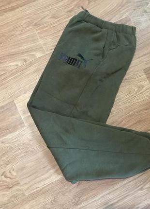 Клёвые спортивные штаны от puma ess no.1 sweat pants