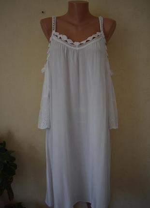 Новое итальянское легкое платье с кружевом