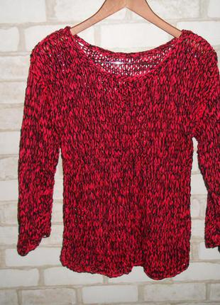 Стильный пуловер крупной вязки