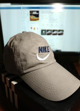 Крутая и стильная кепка nike
