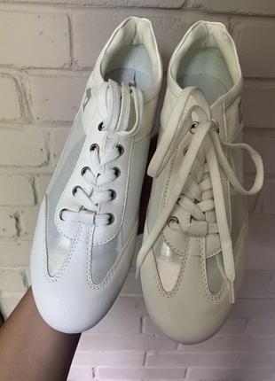 Белие кроси