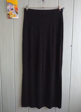 Черная юбка макси на резинке с разрезами по бокам