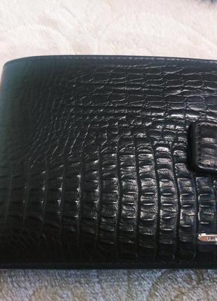 Мужской кошелек портмоне бумажник из натуральной кожи.
