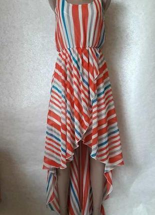 Фирменное qed london новое платье со шлейфом в красочную полоску, размер м-ка