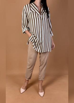 Удлиненная рубашка с подплечниками mango.