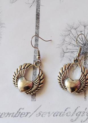 Распродажа! серебристые серьги висюльки сердце, бижутерия сердечко сережки крылья
