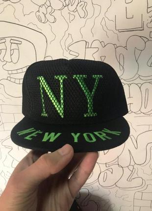 Снэпбек new york черный
