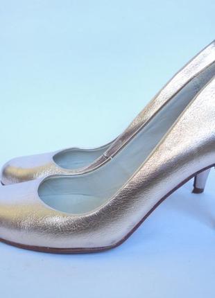 Туфли красивенные!!!!! бренд р.36