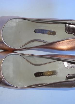 Туфли красивенные!!!!! бренд р.36и еще...2 фото