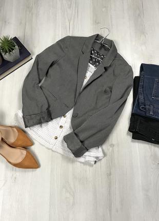 N8 короткий пиджак h&m серый женский фирменный укороченный