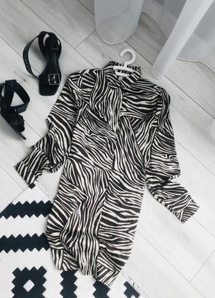Актуальная блуза рубашка платье трендовое