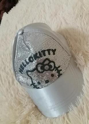 Серебристая кепка hello kitty на 54-56