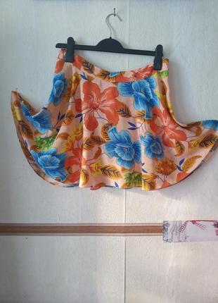 Натуральная расклешенная юбка в цветочный принт