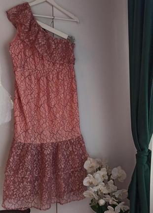 Шикарное нежное платье кружево на одно плече