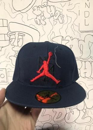 Снэпбек jordan темно-синий красный лого