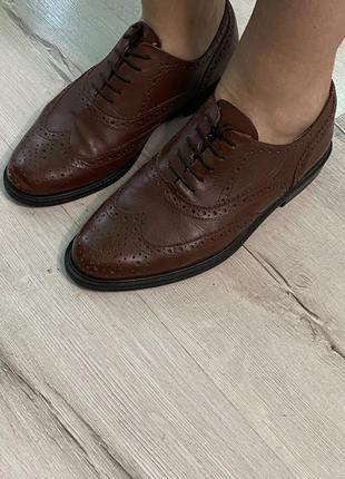 Кожаные коричневые ботинки оксфорды 39