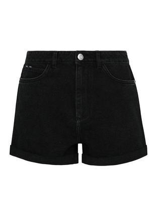 Черные джинсовые шорты на высокой талии