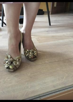 Итальянские летние женские туфли кожаная обувь