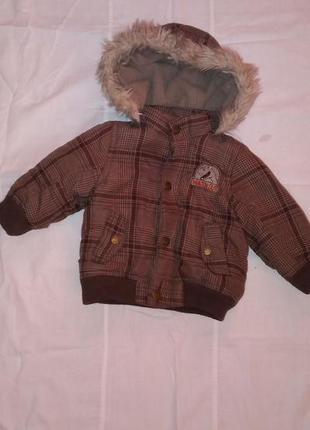 Курточка демисезонная 6-9 месяцев