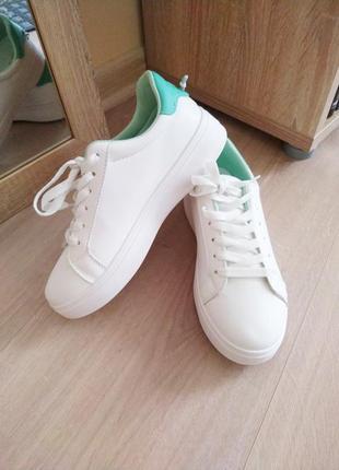 Мятно белые сникерсы / кеды / кроссовки в стиле bershka