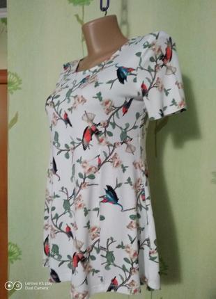 Блузка, футболка с птичками- xs-s- tu