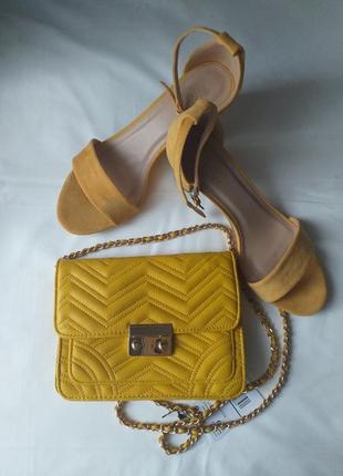 Комплект-босоножки и сумочка
