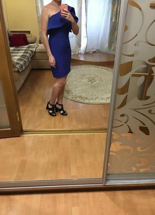 Очень нарядное коктейльное платье