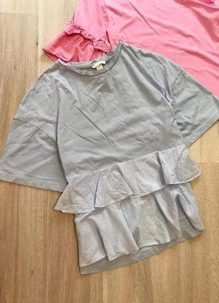 Натуральна голуба літня футболка топ з рюшам спереду оверсайз бавовна h&m s/m