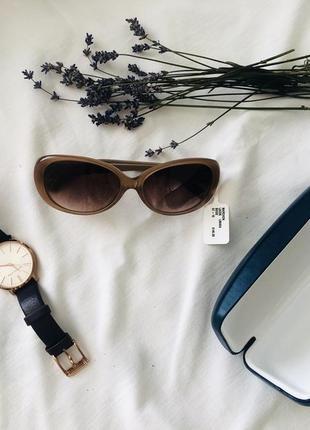 Нові окуляри lacoste