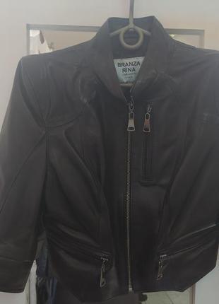 Укороченная кожаная куртка-пиджак
