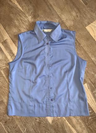 Ніжно голуба сорочка