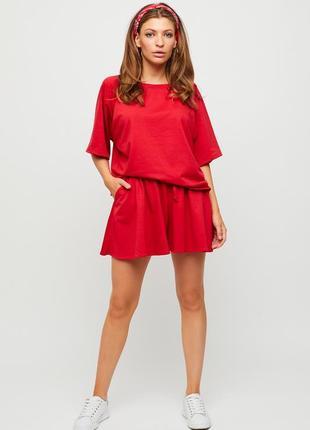 Красный костюм футболка oversize и свободные шорты кэрри