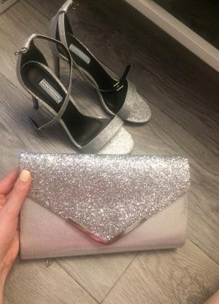 Базовый клатч, серебряный, стильный яркий, сумочка вечерняя