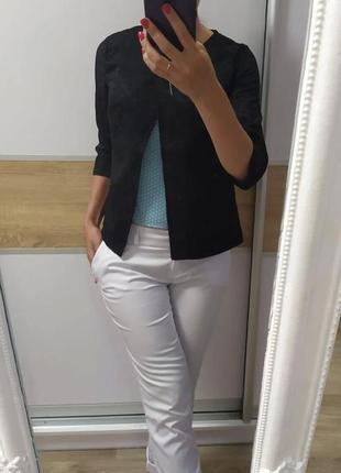 Пиджак жакет из фактурной ткани под кружево гипюр