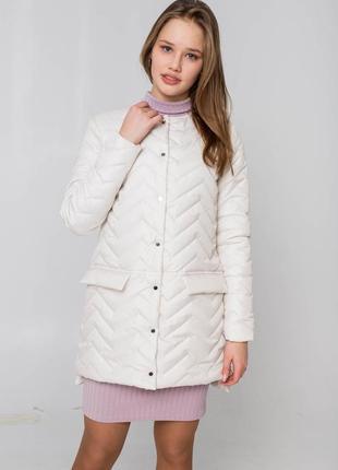 Бежевая удобная демисезонная весенняя - осенняя куртка - плащ